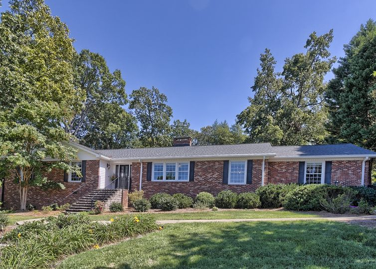 6 Indian Springs Drive Greenville, SC 29615
