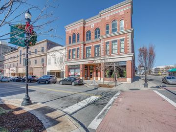 100 W Main Avenue Gastonia, NC 28052 - Image 1