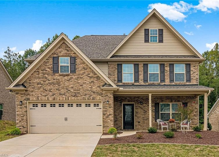 6149 Barrington Oaks Drive Clemmons, NC 27012