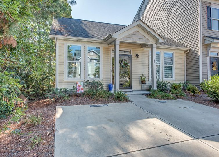 120 Village Place Mount Holly, NC 28120