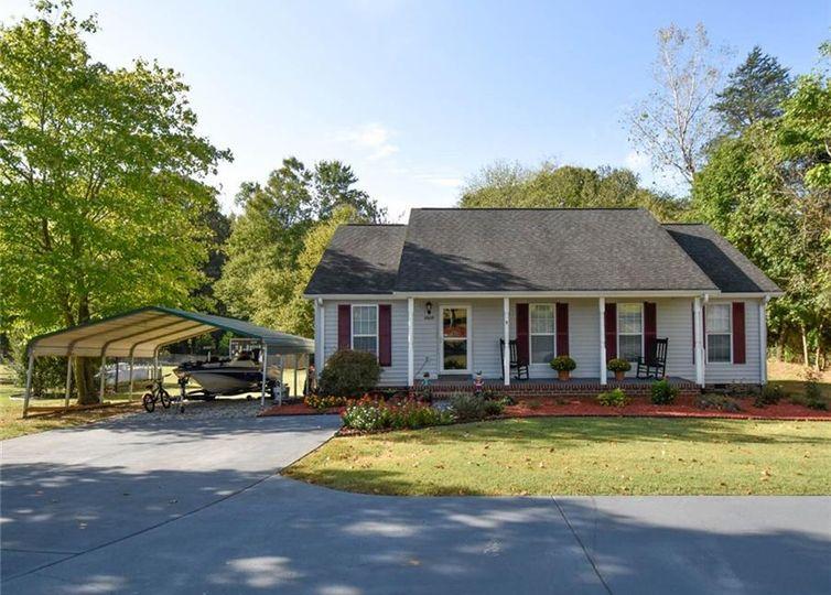8609 Belews Creek Road Stokesdale, NC 27357