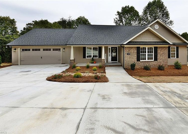 1428 Peace Haven Road Clemmons, NC 27012