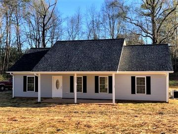 4630 Boxwood Drive Walkertown, NC 27051 - Image