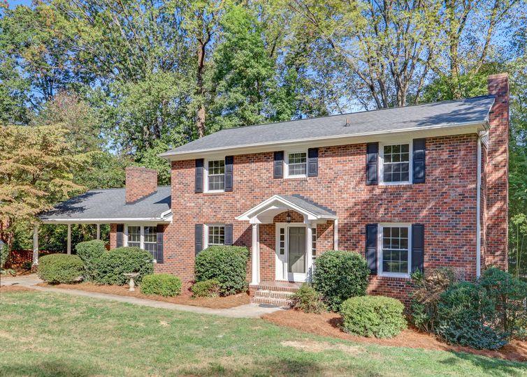 206 Mistletoe Drive Greensboro, NC 27403