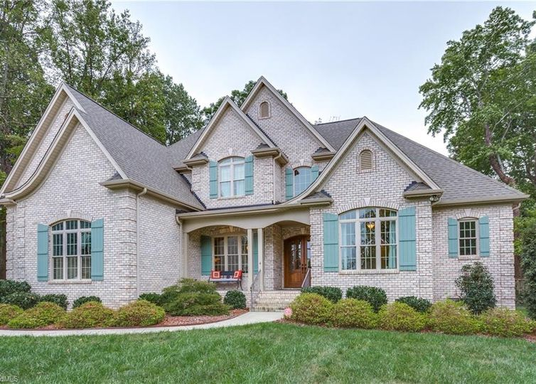 4 Whaton Oaks Court Greensboro, NC 27408