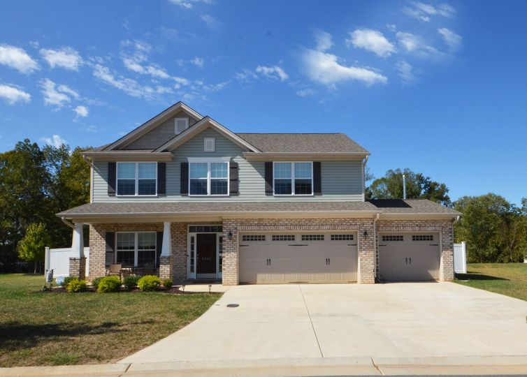 6243 Hampton Chase Drive Clemmons, NC 27012