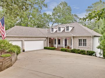 32 Calm Sea Drive Salem, SC 29676 - Image 1