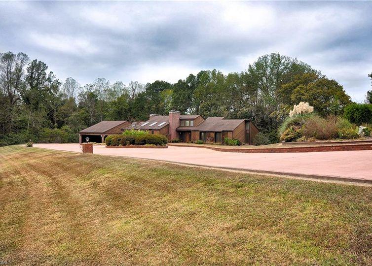 391 Lake Hill Drive Thomasville, NC 27360