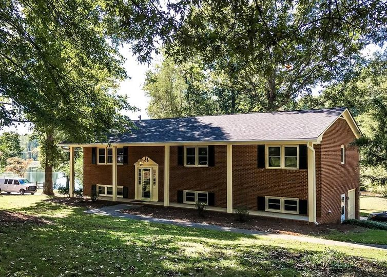 2200 Clearwater Court Winston Salem, NC 27106