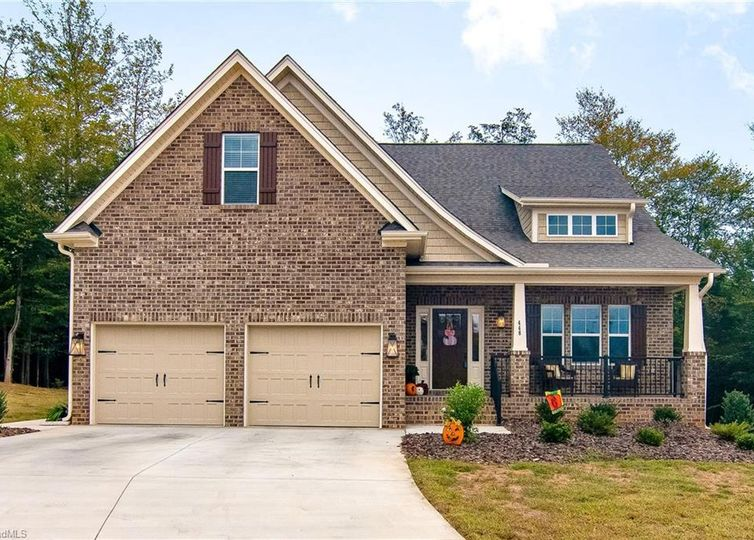 448 Meadowfield Run Clemmons, NC 27012