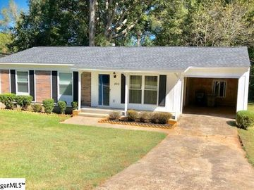 203 Young Drive Laurens, SC 29360 - Image 1