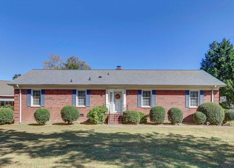 4705 Middleton Drive Greensboro, NC 27406