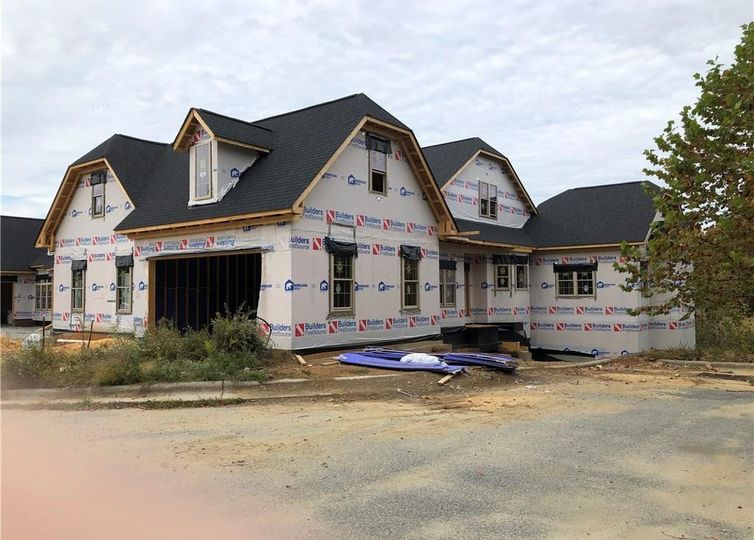 1810 A New Garden Road Greensboro, NC 27410