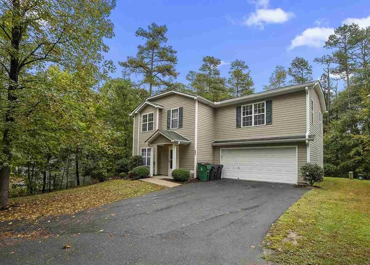 818 Mt Holly Huntersville Road photo #1