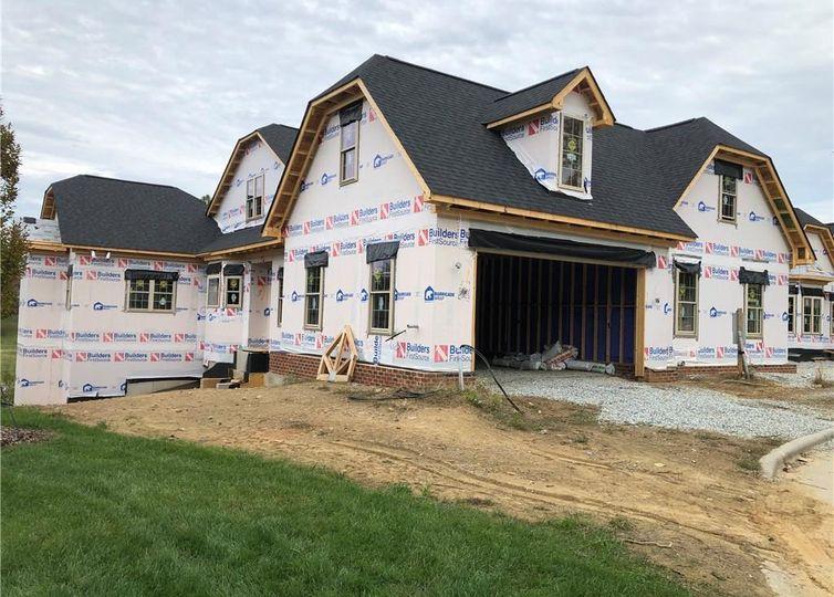1810 D New Garden Road Greensboro, NC 27410