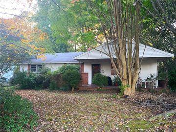 705 N Elam Avenue Greensboro, NC 27408 - Image