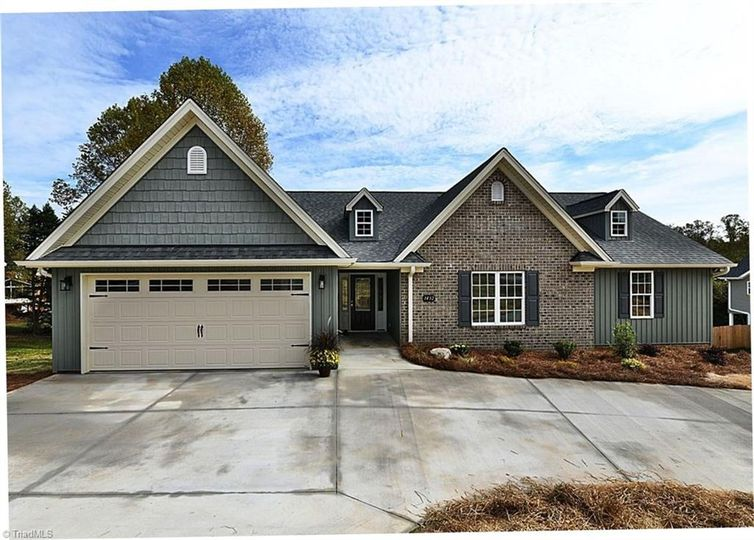 1432 Peace Haven Road Clemmons, NC 27012