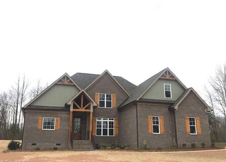 8305 Poplar Bluff Drive Stokesdale, NC 27357