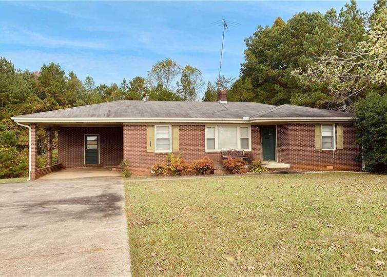 124 Holliday Road Six Mile, SC 29682