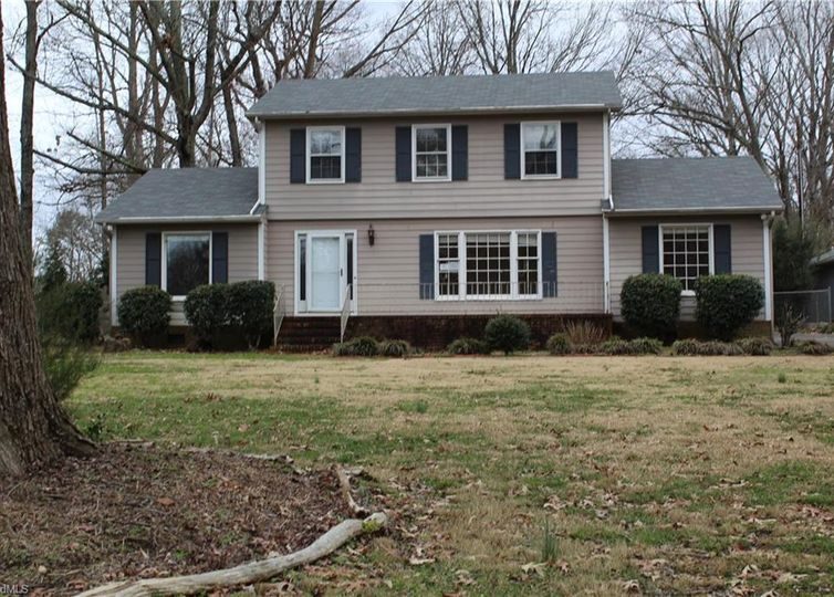 4906 Edinborough Road Greensboro, NC 27406