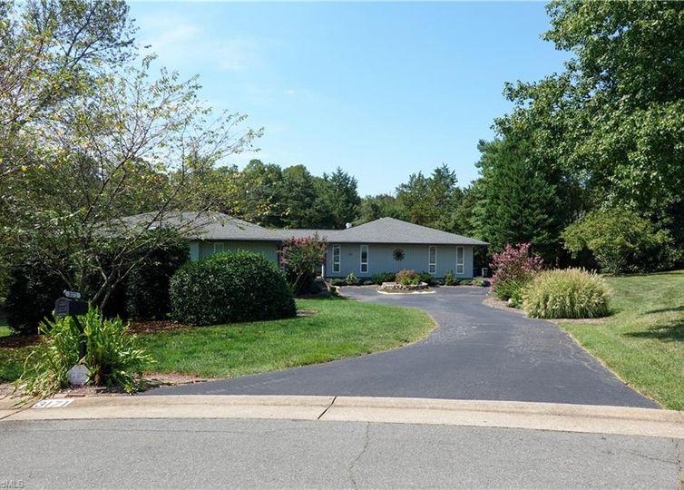 3171 Milhaven Lake Drive Winston Salem, NC 27106