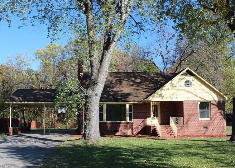 7295 Broad Street Rural Hall, NC 27045