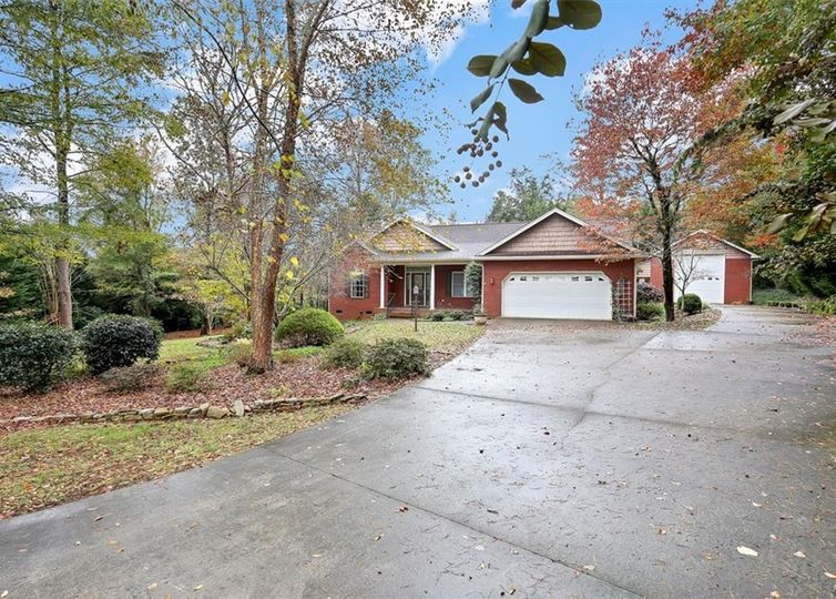 128 Wild Oak Run Anderson, SC 29625
