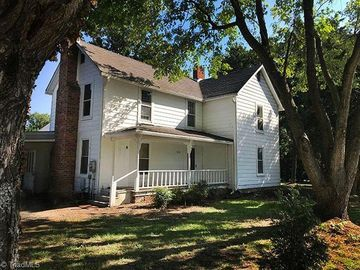 515/517 Oakview Road High Point, NC 27265 - Image 1