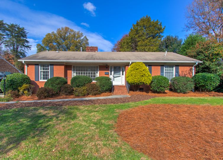 3002 New Hanover Drive Greensboro, NC 27408