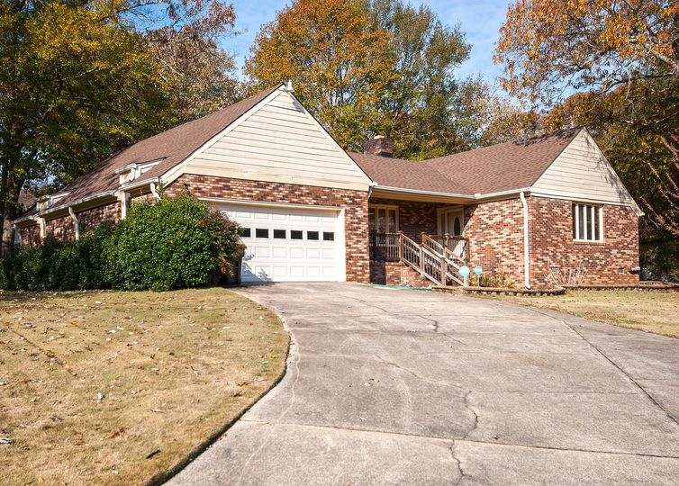 113 Chelmsford Drive Easley, SC 29642