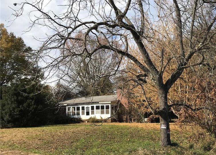 476 Everidge Road Winston Salem, NC 27103