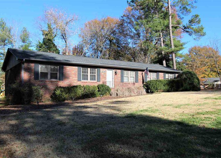 109 Lockwood Street Spartanburg, SC 29307