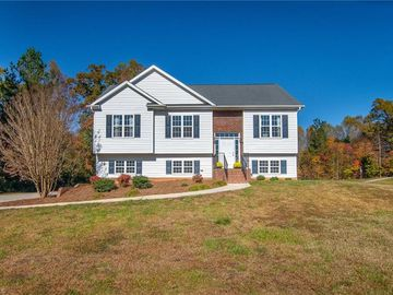 126 Donnell Court Lexington, NC 27295 - Image 1