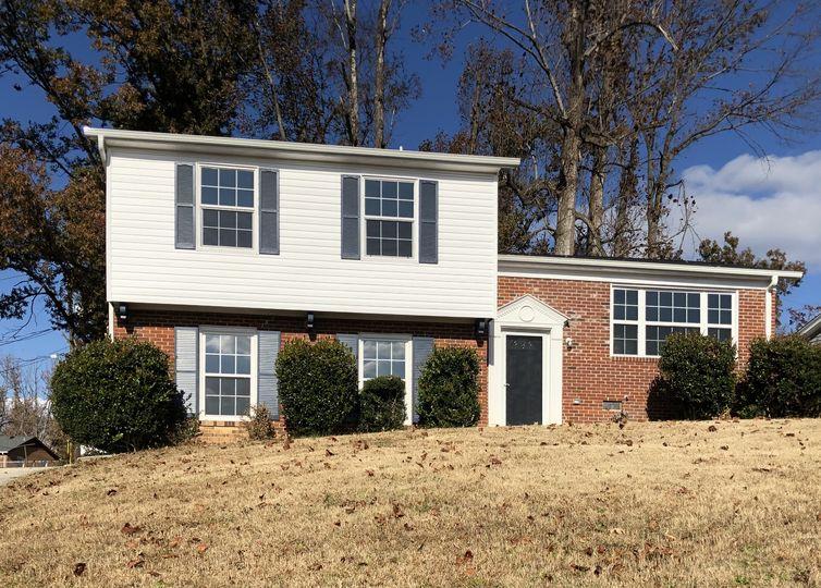 4111 Lord Jeff Drive Greensboro, NC 27405