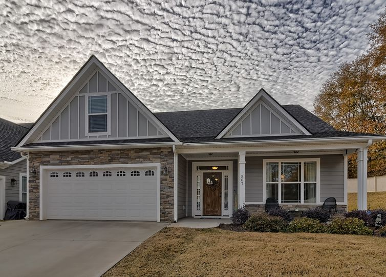 207 Rock Slide Court Taylors, SC 29687