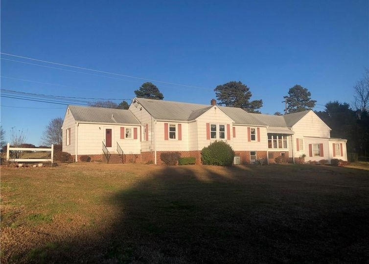 5538 Shallowford Road Lewisville, NC 27023