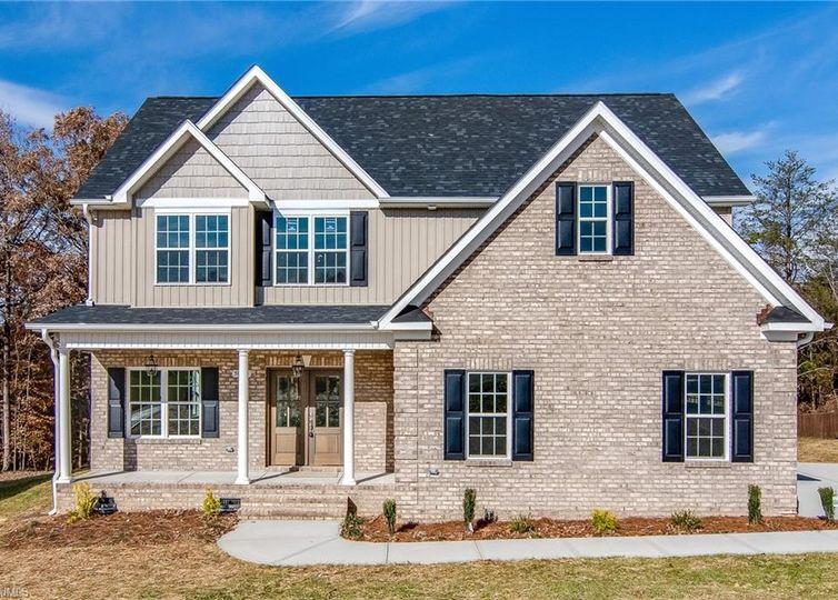 5516 Hiddenbrook Drive Mcleansville, NC 27301