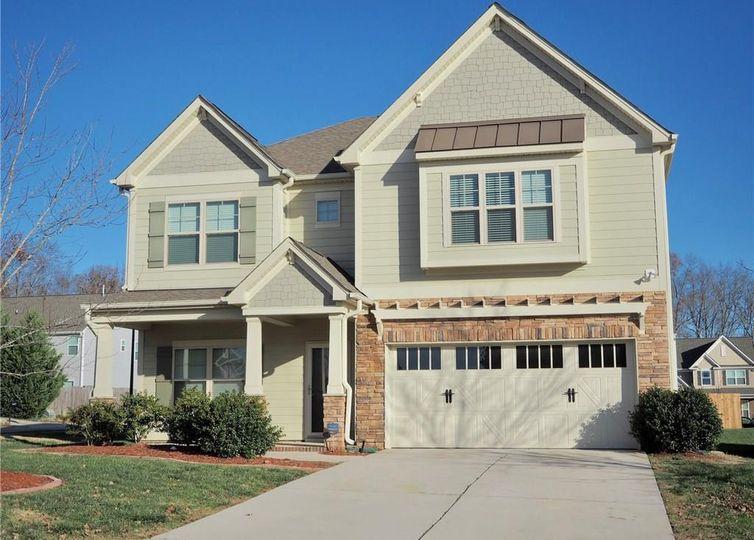 4640 Meadowside Terrace High Point, NC 27265