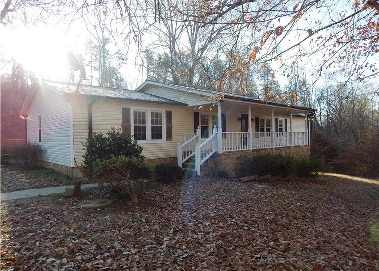 8945 Belews Creek Road Stokesdale, NC 27357