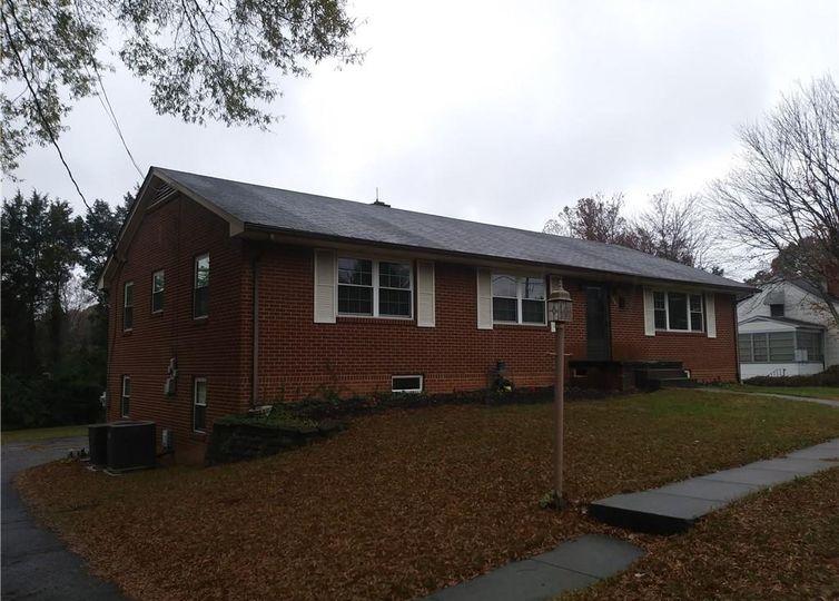 2087 S Hawthorne Road Winston Salem, NC 27103