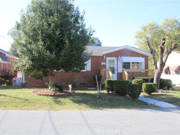 910 Gray Burlington, NC 27217 - Image 1