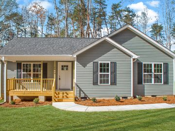 1660 Woodbrooke Drive Burlington, NC 27217 - Image