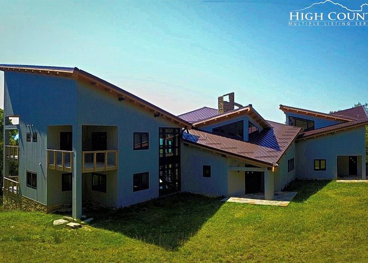 1722 Forest Ridge Drive Linville, NC 28646