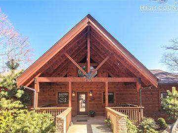 475 Highland Circle Sugar Mountain, NC 28604 - Image 1