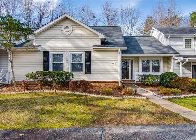 805 Carriage Crossing Lane B Greensboro, NC 27410