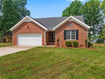 1004 Oakridge Court Burlington, NC 27217 - Image 1