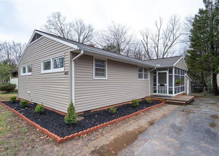 1407 Gracewood Drive Greensboro, NC 27408