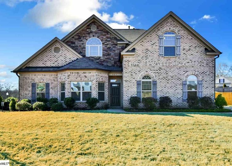 201 Lovelace Court Simpsonville, SC 29681