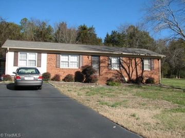 140 Meadowdale Drive Denton, NC 27239 - Image 1