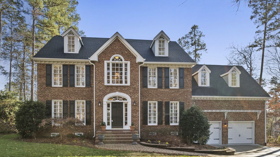 102 Trail Bend Court Cary, NC 27513